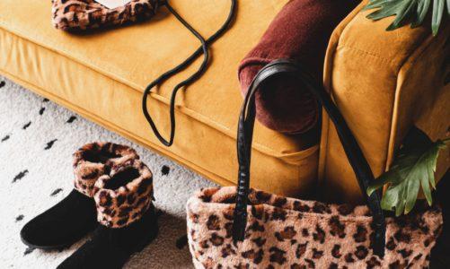 Kolorem w szarość – przedłużamy złotą polską jesień w garderobie