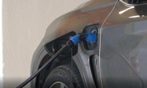 Ruszyły największe w Europie Środkowo-Wschodniej testy opłacalności aut elektrycznych. Co piąta firma zamierza wprowadzić je do swojej floty [DEPESZA]